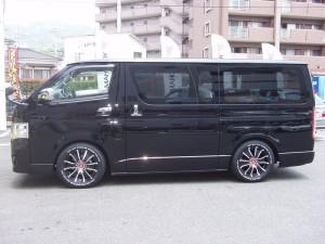 トヨタ ハイエース200系